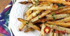 Hranolky nemusia byť vždy len zo zemiakov. Skúste zdravšiu variantu zo zeleru. Hodia sa ako samostatný pokrm alebo ako príloha k mäsu.