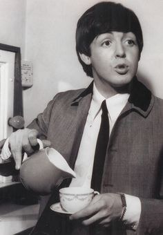 Paul McCartney the thin tie and that jacket with 2 tone color.iconic look, Beatles. Ringo Starr, George Harrison, Paul Mccartney, John Lennon, Serge Gainsbourg, Great Bands, Cool Bands, All You Need Is Love, My Love