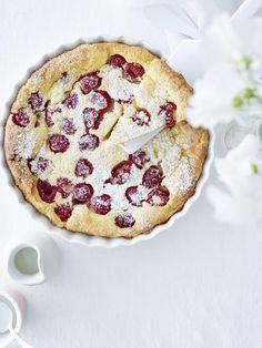 Frambozenclafoutis Dessert Simple, Apple Cranberry Pie, Apple Pie, Sweet Bakery, No Bake Pies, Snacks Für Party, Happy Foods, Köstliche Desserts, Pastry Cake