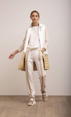Primavera Estate 2019 - Cashmere Maglieria Donna Lorena Antoniazzi Avangard Fashion, Sport Fashion, Fashion Outfits, Womens Fashion, Fashion Trends, Looks Style, My Style, Iranian Women Fashion, Weekend Wear