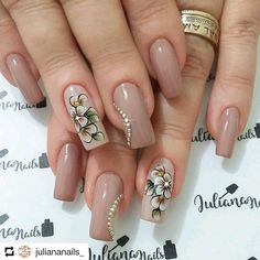 Check it out. Fabulous Nails, Perfect Nails, Gorgeous Nails, One Stroke Nail Art, Cute Nails, Pretty Nails, Nail Art Videos, Flower Nail Art, Nail Shop