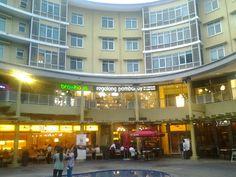 Condominium + Restaurants @ Bonifacio High Street