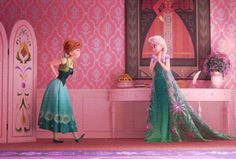 Elsa adds a touch of magic to Anna's dress (Frozen Fever)