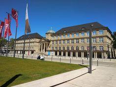 Wiesbaden: A legzöldebb német nagyváros, ahol egzotikus zöld papagájok repkednek az utcán Nassau, Maine, Louvre, Mansions, House Styles, Building, Travel, Wiesbaden, Viajes
