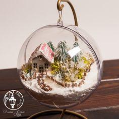 UHK Gallery - inspiracje: Home decor - bombka Christmas Scenes, Christmas Balls, Christmas Crafts, Christmas Decorations, Christmas Ornaments, Holiday Decor, Bauble, Winter Scenes, Shadow Box