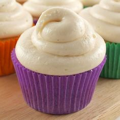 If you like sweet potato pie, you will love these cupcakes. Sweet Potato Cupcakes with Brown Butter Cream Cheese Frosting really remind at sweet potato pie but Köstliche Desserts, Delicious Desserts, Yummy Food, Cupcake Recipes, Cupcake Cakes, Dessert Recipes, Cup Cakes, Sweet Potato Cupcakes, Purple Sweet Potato Cake Recipe