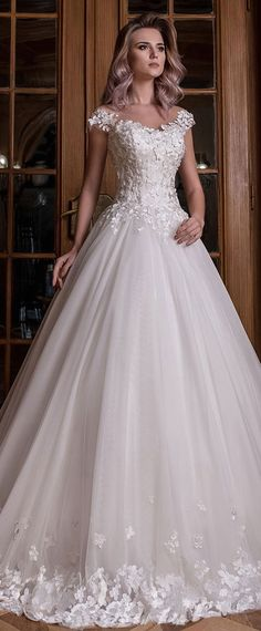 Fascinating Tulle Scoop Neckline Natural Waistline A-line Wedding Dress With Lace Appliques