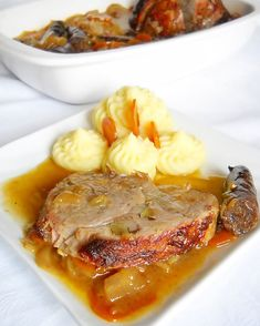 Friptura de porc impanata | Retete Culinare - Bucataresele Vesele Cookbook Recipes, Cooking Recipes, Hungarian Recipes, Romanian Recipes, Romanian Food, Wedding Menu, Pot Roast, Steak, Food And Drink