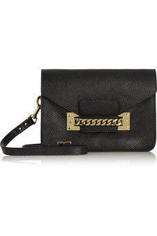 Sophie Hulme Envelope chain-trimmed textured-leather shoulder bag | NET-A-PORTER