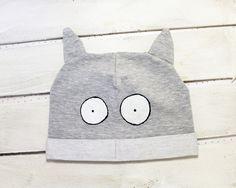 Kocia czapka z uszami, dla dorosłych, szara, oczy - ARTandCAT - Dzianina