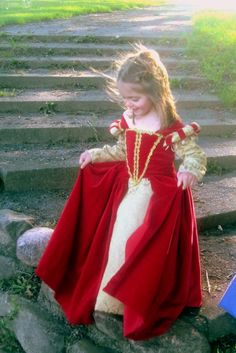 Cute munchkin red velvet renaissance princess dress on etsy! Costume Renaissance, Medieval Costume, Renaissance Clothing, Medieval Dress, Little Girl Dresses, Flower Girl Dresses, Period Costumes, Teen Costumes, Woman Costumes