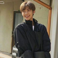 """""""'defenders (isfj) are true altruists, meeting kindness with kindness-in-excess and engaging the work and people they believe in with enthusiasm and generosity' 🐰🤍"""" Saranghae, Ntc Dream, Nct Dream Members, Nct Dream Jaemin, Huang Renjun, Entertainment, Na Jaemin, Taeyong, Boyfriend Material"""