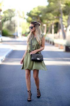 Nette Nestea: Womens Designer Round Oversize Retro Fashion Sunglasses 8623