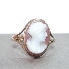 10k Gold Carved Sardonyx Cameo Vintage Ring by Betsysbijoux