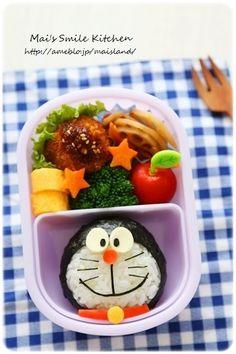 ぼく、ドラえもん! まんまるのドラえもんおにぎりです~♪ Cute Bento Boxes, Bento Box Lunch, Lunch Boxes, Bento Kids, Kawaii Cooking, Kawaii Bento, Food Decoration, Aesthetic Food, Cute Food