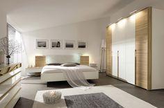 wohntipps f rs wohnzimmer die richtige position f r den fernseher vorh nge aufh ngen. Black Bedroom Furniture Sets. Home Design Ideas