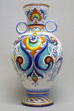 Vaso con manici ad anello dipinto a Pavona e Cartoccio