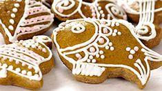 Včelí úly alias vosí hnízda — Kluci v akci — Česká televize Gingerbread Cookies, Chili, Sugar, Dinner, Baking, Cheesecake, Food, Gingerbread Cupcakes, Dining