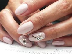 Nail Designs For Spring. Nail styles or nail art is certainly a hassle-free practice - styles or art which can be used to revamp the finger or toe nails. They are utilised mainly to better a piece of clothing or enhance a day to day look. Wedding Nail Polish, Wedding Nails, Solid Color Nails, Nail Colors, Cute Nails, My Nails, Fancy Nails, Bride Nails, Short Nail Designs