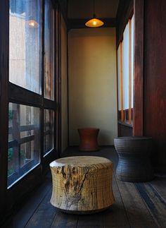 Conversation stool. Analogue Life