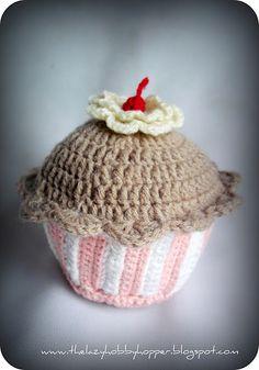 Tutorial for a crochet cupcake