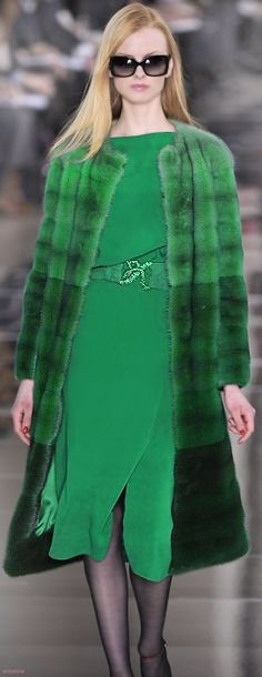 valentino sheared mink coat in ombré degradé shades of green. Fashion In, Green Fashion, Winter Fashion, Womens Fashion, Fashion Trends, Valentino, Mode Glamour, Haute Couture Style, Fabulous Furs