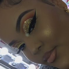 makeup on hand often to replace eye makeup makeup green dress makeup videos in urdu when makeup makeup zodiac makeup makeup mascara Prom Makeup Looks, Makeup Is Life, Cute Makeup, Glam Makeup, Pretty Makeup, Makeup Goals, Simple Makeup, Clown Makeup, Makeup Pics
