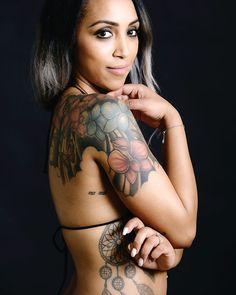 Ma davvero un po' di inchiostro sulla pelle ti rende agli occhi degli altri una persona meno seria? Ph. @alvise.busetto #genteottusa #labitononfailmonaco #sognaragazzosogna #bloggeratipica #tatuaggi #inkedgirl #tattoedgirl #nelly
