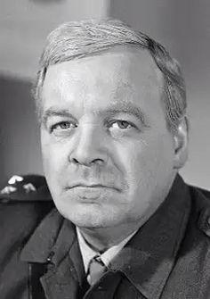 Patrick Wymark, né le 11 juillet 1926 à Cleethorpes (Lincolnshire) et mort le 20 octobre 1970 à Melbourne (Australie), est un acteur britannique. Il est le père de Jane Wymark ( série Barnaby Joyce. La femme de Barnaby)
