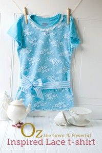 Lace T-shirt DIY Inspired by Oz the Great & Powerful (tutorial). Not fond of the lace, but the bow belt is too cute. Shirt Refashion, T Shirt Diy, Clothes Refashion, Diy Clothing, Sewing Clothes, Tee Shirt Dentelle, Sewing Tutorials, Sewing Patterns, Diy Mode