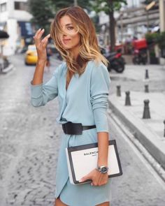 love this pale blue color blazer, Balenciaga black and white clutch bag, light blue blazer or dress, Mode Outfits, Fashion Outfits, Womens Fashion, Fashion Trends, Fashion Details, Mode Style, Style Me, Estilo Hippy, Look Street Style