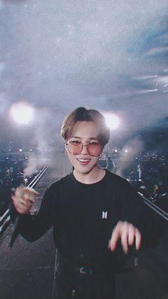 190601 speak yourself tour in Wembley K Wallpaper, Jimin Wallpaper, Busan, Jikook, K Pop, Taehyung, Park Jimin Cute, Foto Jimin, Bts Aesthetic Pictures