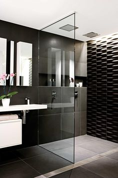 Top 10 black and white bathrooms. Styling by Vanessa Colyer Tay. Photography by Sam McAdam-Cooper.