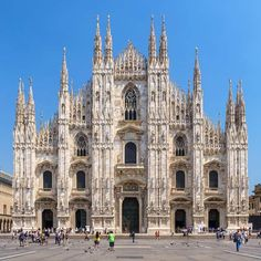 The Duomo Rooftop Tickets - Heavenly views of Milan