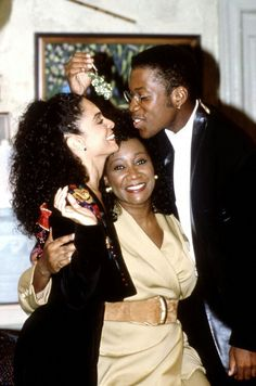 Jasmine Guy, Patti LaBelle, and Kadeem Hardison on the set of A Different World