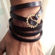 Simple steampunk bracelet