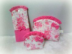 Kit contendo 3 peças confeccionadas com tecido 100% algodão e manta acrílica. <br>Excelente opção para presentear com carinho.