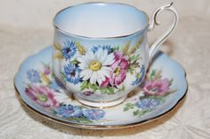 Beautiful Blue Royal albert Teacup & Saucer Large White daisies and Wild Pink Roses Hampton Shape