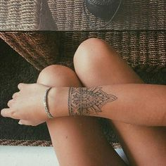 Tattoo wrist mandala sleeve ideas tattoo old school tattoo arm tattoo tattoo tattoos tattoo antebrazo arm sleeve tattoo Wrist Tattoos For Women, Tattoos For Women Small, Small Tattoos, Woman Arm Tattoos, Female Wrist Tattoos, White Tattoos, Tiny Tattoo, Mandala Wrist Tattoo, Mandala Sleeve