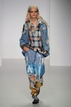 Sequins, plaid and boyfriend denim. Does it get much better than this?! Ashish, LFW