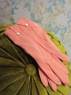 1950's peach gloves