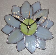 Stained Glass Clock - Daisy £21.00