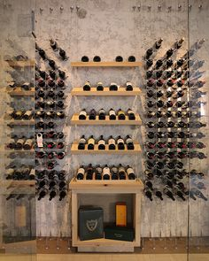 Contemporary custom wine cellar featuring the Cable Wine System. I love the Champagne Wine Box nook below the racks Caves, Coin Bar, Bar A Vin, Wine Cellar Racks, Home Wine Cellars, Wine Cellar Design, Wine Design, Wine House, Ideas Prácticas