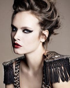 Inspiración Closé... Fashion is made to become unfashionable: This is Glam Rock Fashion, baby!