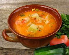 Ciorbá din dovlecel. ingrediente / 4 portzii - 2 dl ulei - 4 morcovi márime medie - ... Soup Recipes, Healthy Recipes, Healthy Food, Romanian Food, Romanian Recipes, Always Hungry, Tasty, Yummy Food, Thai Red Curry