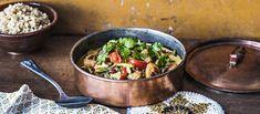 Kanapyöryköistä tehty punainen kookoscurry on lempeän tulinen ruoka. Noin 2,00€/annos. Dinner Tonight, Paella, Curry, Food And Drink, Healthy Eating, Dishes, Ethnic Recipes, Koti, Eating Healthy