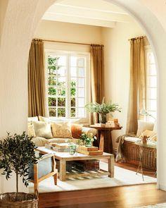 De salón caótico a ordenado y más amplio · ElMueble.com · Salones