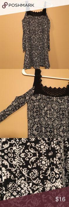 Off the shoulder dress Off the shoulder black and white dress Dresses Midi