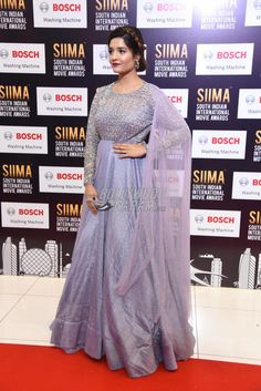 Ritika Singh poses for the cameras mat the SIIMA 2017