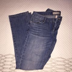 Banana republic jeans Size 4 short banana republic jeans, slim boot cut. Very flattering jeans! 99% cotton 1% spandex Jeans Boot Cut